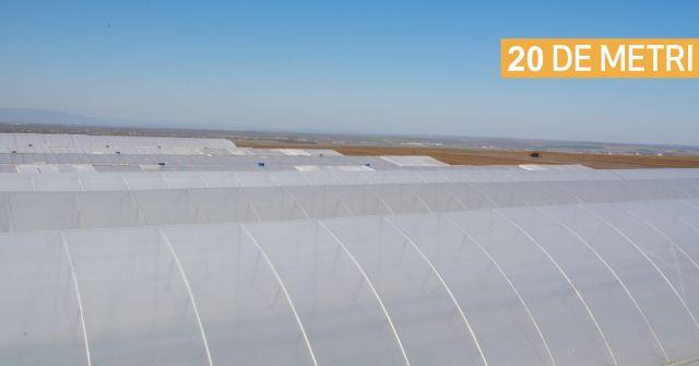 Folie de acoperire solar de 20 metri latime si 180 microni grosime