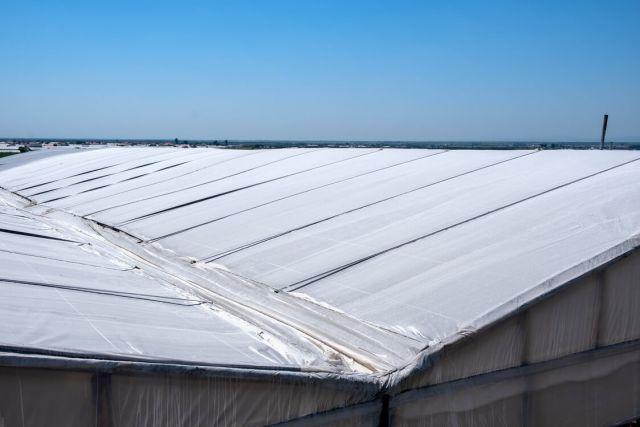 Umbrirea solarului pe exterior cu carbonat de calciu
